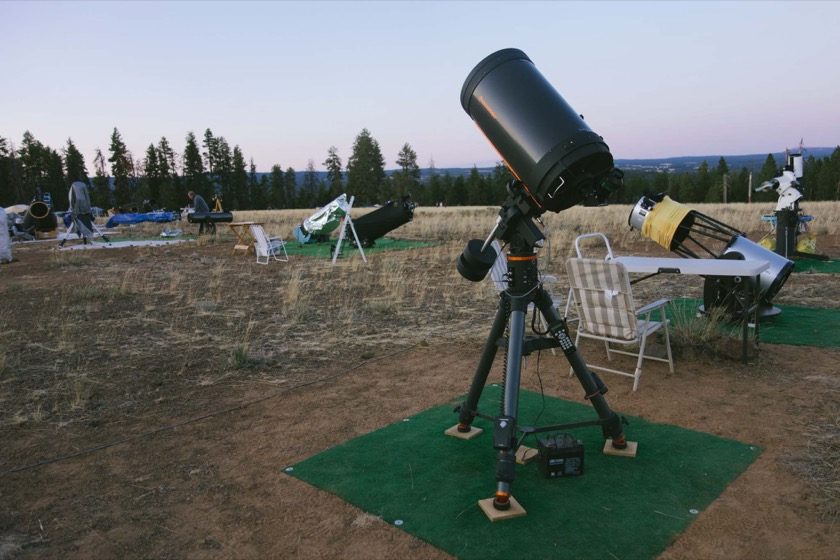 This telescope and mount weighs almost 150 pounds.
