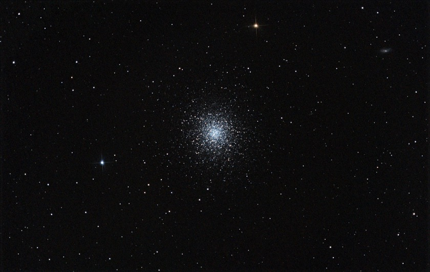 The Great Globular Cluster in  Hercules contains about 300,000 stars. Photograph by Raw Star Data.
