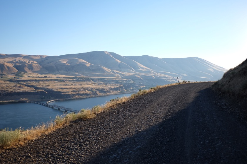 Gravel road, no guardrail, and 700 feet down to the Columbia. Beautiful way to begin the day.